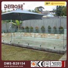 frameless glass balustrade/fence around pool
