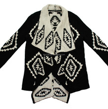 women's knitted cardigan in geometric jacquard