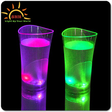 2016 New Multi-color Flashing Led Glow Cups Festive party bar pub drinkware led cup