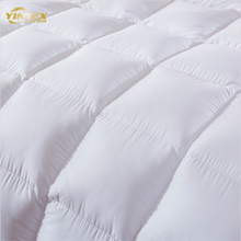 Home Textile 90% Feather Filled Bedding Sleeping Quilt