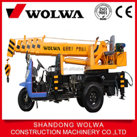 Cheap price small tricycle crane 3 ton for sale with japanese engine from factory