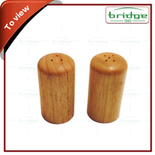 Modern fashion bamboo salt and pepper