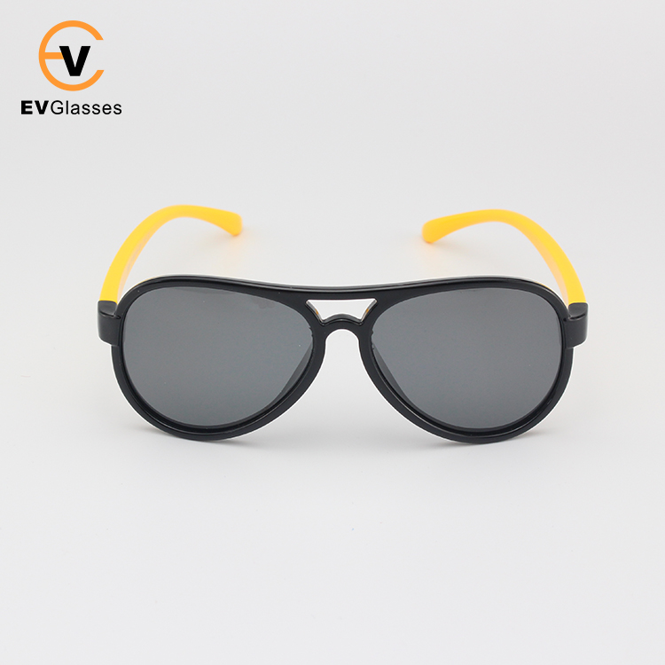 2017 fashion unisex square yollow TR90 kids polarized sunglasses