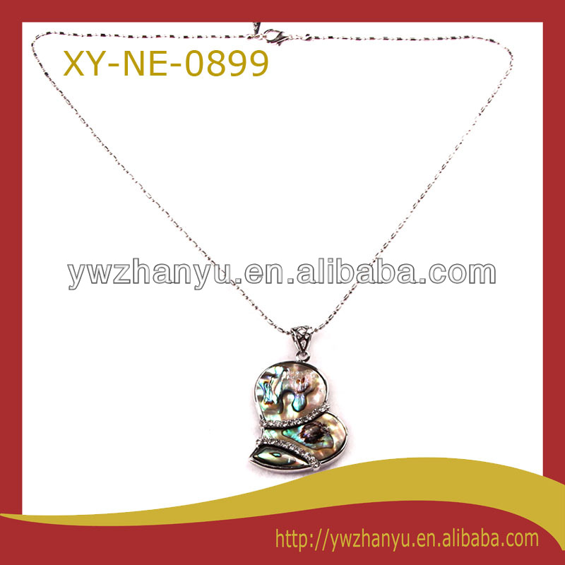 fashion pendant chain and link clothing heart shell necklace