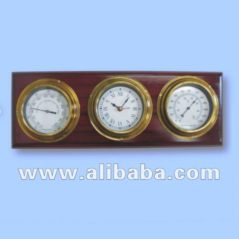 NAUTICAL WEATHER STATION WITH BRASS CLOCKS / HYGROMETER / THERMOMETER AND WOODEN BASE