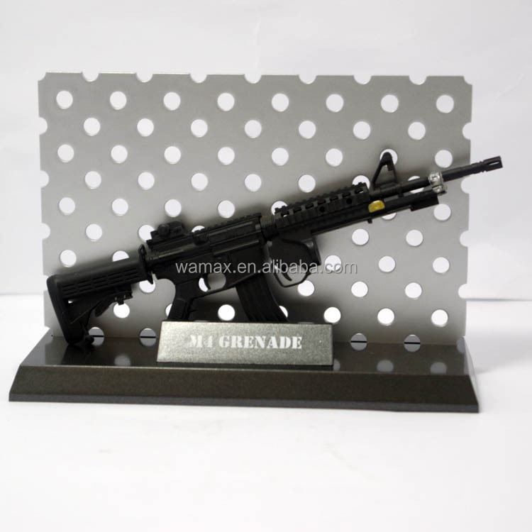 plastic toy guns 3D M4A1 Anime bb scale safe gun model Figures military OEM&ODM 1/6 pvc figurine manufacture factory