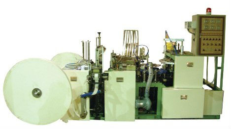 Automatic paper cup making machine with handle applicator