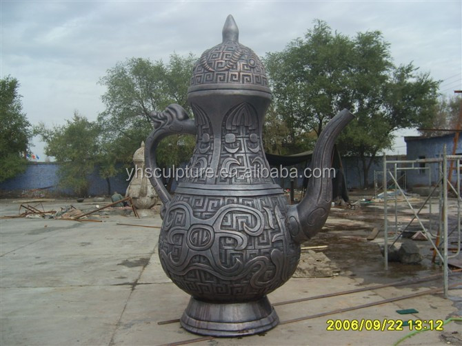 Brass statue teapot in antique imitation crafts