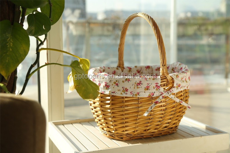 Cheap Lovely New Year Handmade Storage Wicker Baskets for Picnic Food Drink Toys Sundries Novelty Christmas Gift for Girls