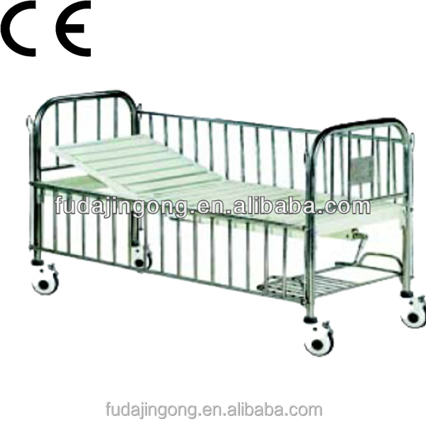 A-47 Movable nursery baby infant bed, metal baby crib with wheels