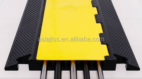 Top sale PVC cover rubber cable protector ramp with CE