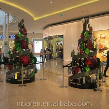 hot christmas tree decoration sculpture