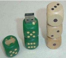 dice wooden flash drive.