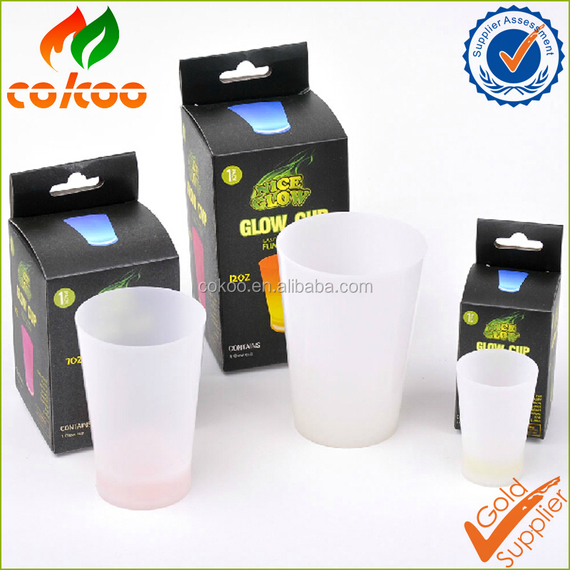 Glow in the dark plastic led flashing cup
