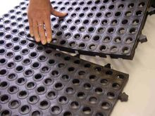 Heavy Duty Interlocking Water Drainage Rubber Garage Floor Mat