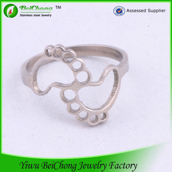 Custom Cute Design with Little Feet silver Stainless Steel Ring For Best Friendship Rings J8-0033