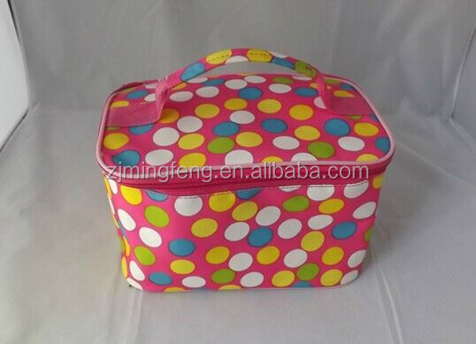 cooler bag/ disposable beer can cooler bag/ whole foods lunch bag