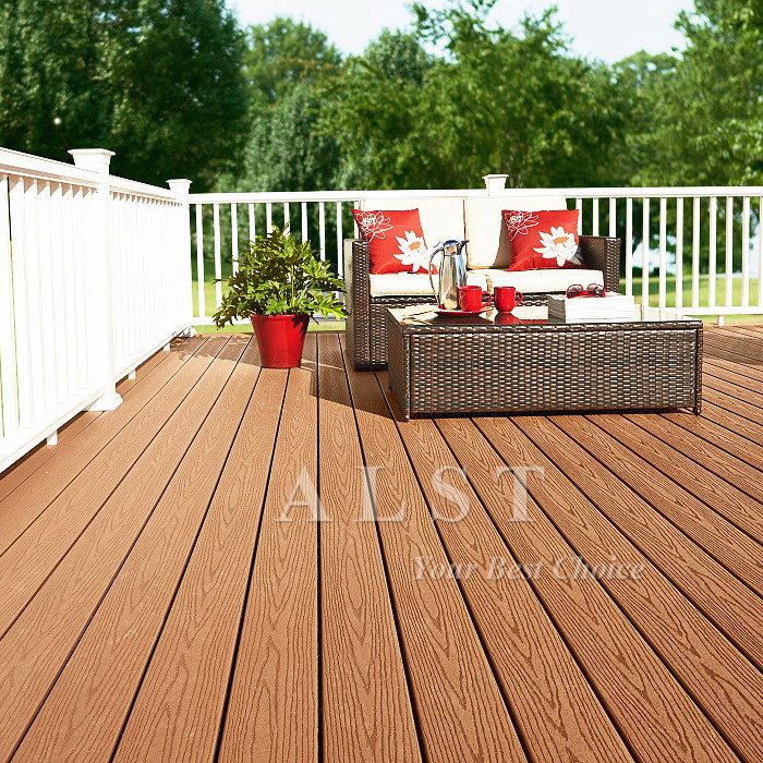Chinese Golden Suppiler Wood Plastic WPC Composite Decking
