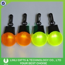 Plastic Mini Reflective Flashing Clip Light Keychain, Led Clip Keychain for Safety