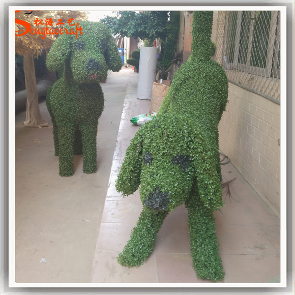 Different posture metal structure dog artificial topiary animal artificial grass animal