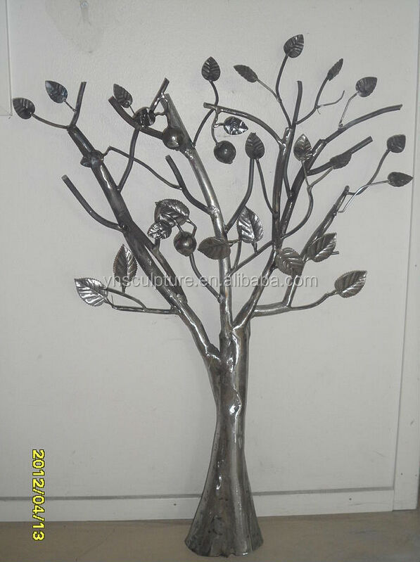 metal tree sculpture