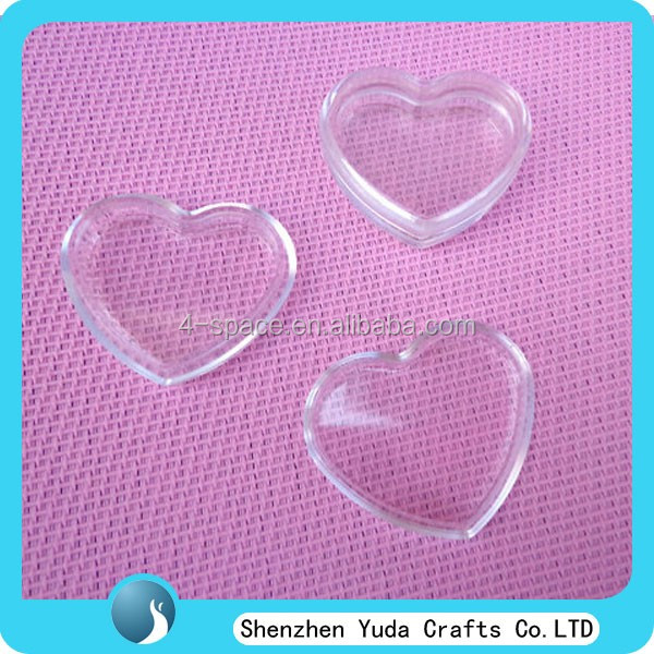 molded clear plastic heart shaped candy jewelry box with lid