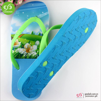 Guangzhou shoes factory new design outdoor beach slippers fashion women slippers