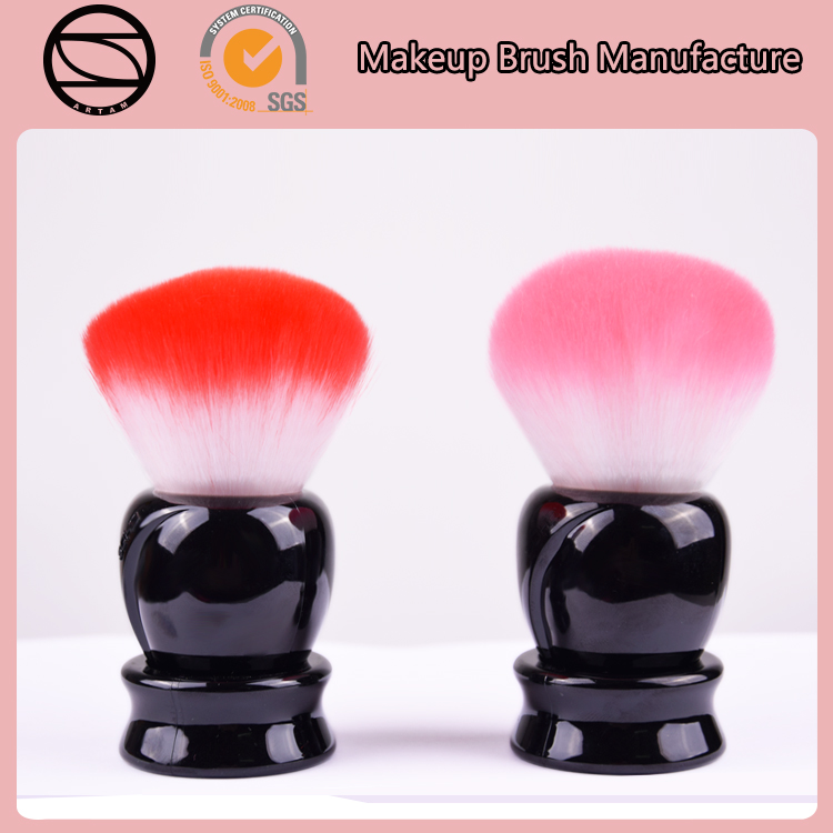 New design large retractable bristle hair retractable facial kabuki brush