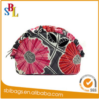 women travelling personalized cosmetic bag as promotional gift 2015