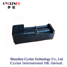 Wholesale multi-functional charger with EU/US/UK Plug China manufacturer 18500 battery charger