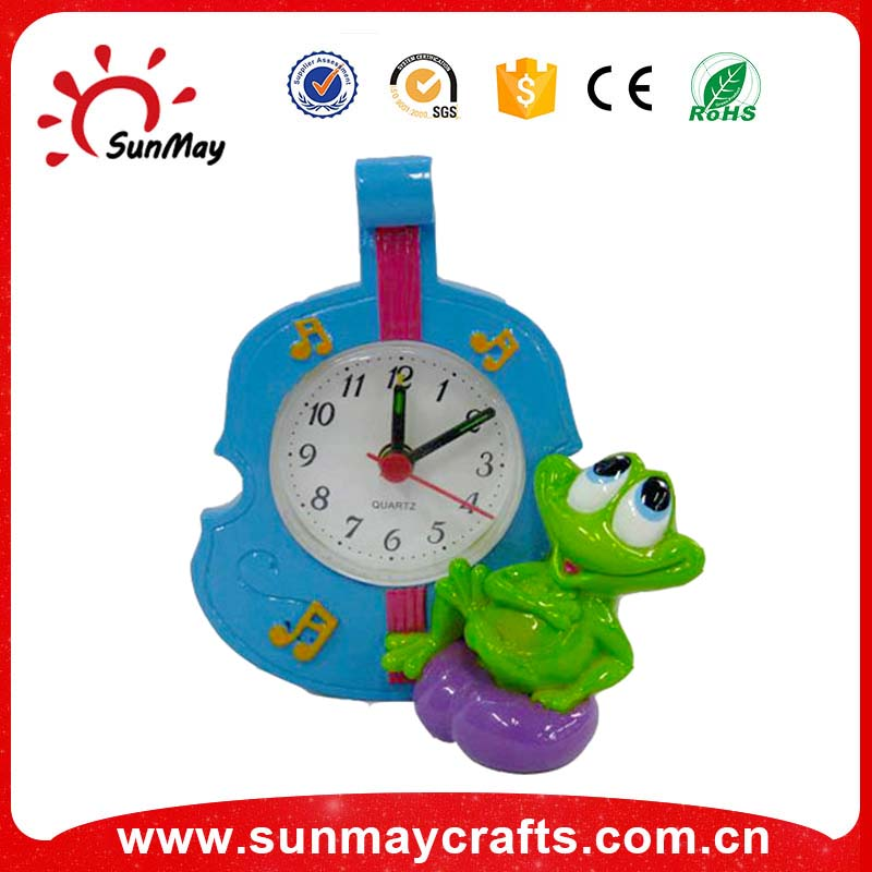 Polyresin table clock