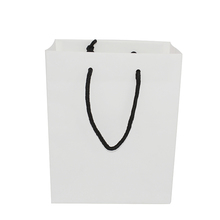 Fashion Low Price Retail White Jewelry Gift Paper Trolley Bag With Logo Print Manufacturer Factory