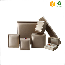 China customised jewelry gift plastic packaging box