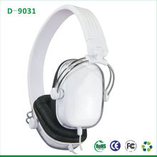2013 fashion skull mp3 player headphones good bass stereo headphone mega bass headphones ,free sample