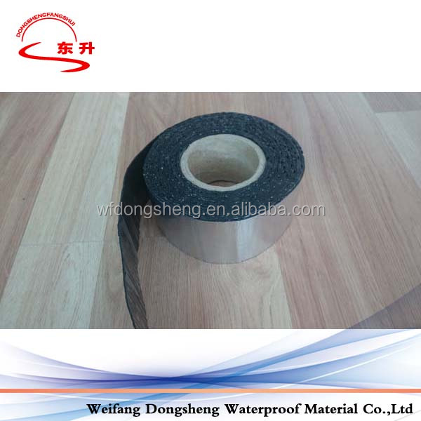 adhering self adhesive bitumen strip