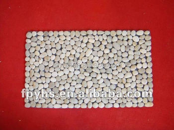 High polished shining pretty white pebble stone mat