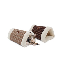 Hot sales lovely polyester new pet products soft cat bed
