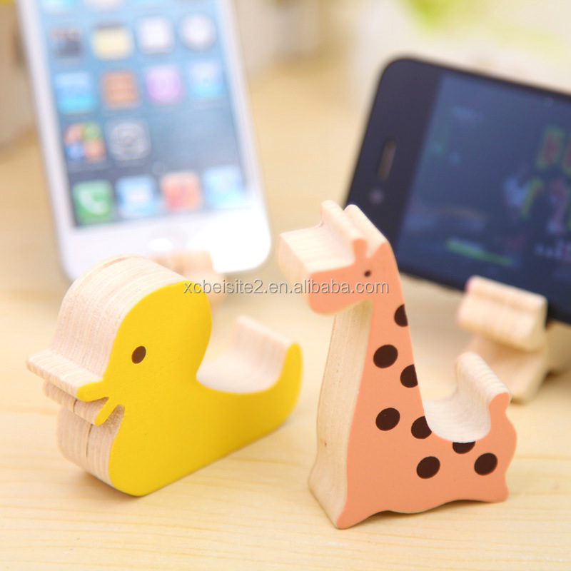 Q055 Hot Selling Wooden Phone Stand Desktop Decoration Cute Animal Phone holder