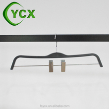 Polished Metal Hooks And Clips Plastic Black Color Pants Hanger