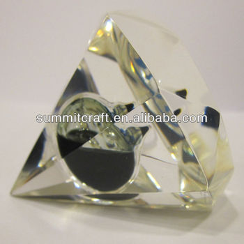 Custominverted glass pyramid paperweight