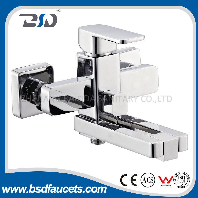 Wall Mounted Square Single Handle Chrome Bathroom Bath Shower Faucets with Rotating Aerator