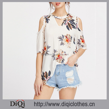 Latest designs china clothing factory wholesale ladies women Beige V Neckline Choker Open Shoulder flower Print Top