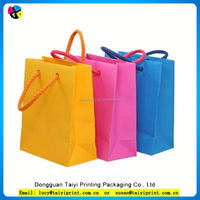 Customized printed gift paper bags in recycle/shopbags for channel