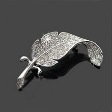 Leaf Rhinestone brooch china wholesale feather alloy jewelry zircon stone brooch women crystal letter brooch pins