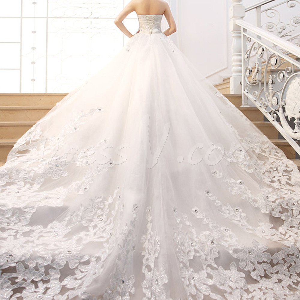 Свадебное платье пышные со шлейфом