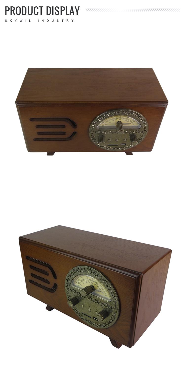 Vieux antique AM / FM de radio avec USB / SD entrée Audio jack