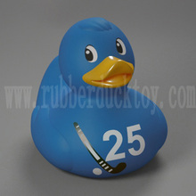 wholesale 8cm sport hockey rubber duck , hockey bath duck , baby hockey duck toy