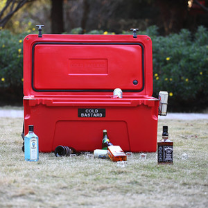2018 Hot sale LLDPE wheeled Rotomolded cooler box for outdoor hunting use