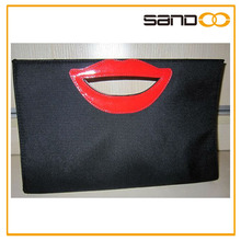 2016 promotional beauty 600D red lip cosmetic case for women