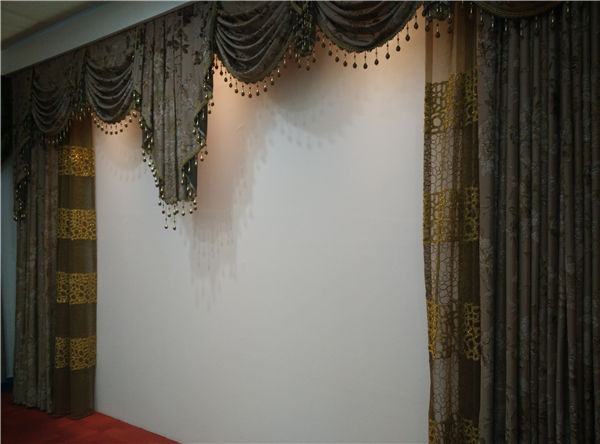 Luxurious And Elegant Curtains For Living Room Buy Designs Curtain Ready Ma